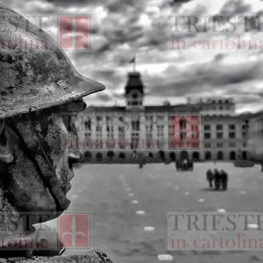 soldato su piazza 1