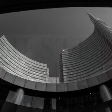 Unicredit Milano Bianco e nero