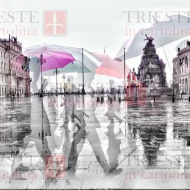 Gli ombrelli di piazza Unità