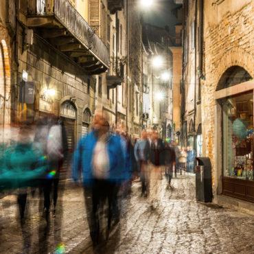 Bergamo Alta flusso di gente